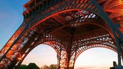 """Tháp Eiffel """"đắt"""" nhất thế giới"""
