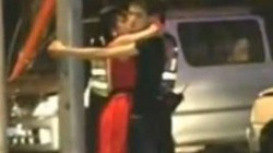 Tông chết người còn thản nhiên ôm hôn bạn gái