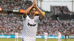 Milan nối lại đàm phán chiêu mộ Kaka