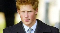 Bị lộ ảnh khỏa thân, hoàng tử Harry vẫn được dân ủng hộ