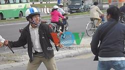 """TP.HCM: Xông vào """"giáp lá cà"""" vì va chạm giao thông"""