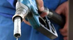 Bộ Tài chính nói gì về cách điều hành giá xăng dầu?