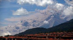 33.000 người Guatemala sơ tán vì núi lửa hoạt động