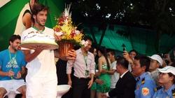 Heineken Stars 2012: Tay vợt chuyên nghiệp, tổ chức... nghiệp dư