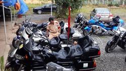 """Đoàn đua mô tô """"khủng"""" bị chặn giữ vì vi phạm"""