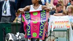 "Serena Williams mắc chứng... ""cầm nhầm""?"