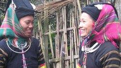 Độc đáo trang phục của người Lô Lô đen