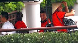 """Clip """"độc"""" về cầu thủ Arsenal tại khách sạn Intercontinental"""