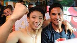 Các ngôi sao Arsenal ngả mũ trước fan cuồng Việt