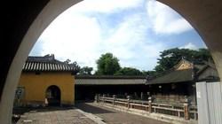 Dạo bước ngày hè nơi cung Diên Thọ trong Hoàng thành Cố đô