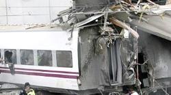13 toa tàu văng khỏi đường ray, ít nhất 60 người tử nạn