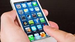 Dùng iPhone, một người nhập viện