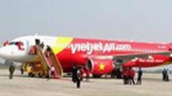 Máy bay Vietjet Air liên tiếp bị chim sa vào động cơ