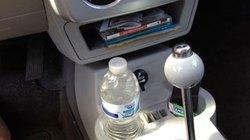 Uống nước để lâu trên ôtô có thể gây ung thư