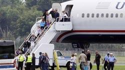 Máy bay Mỹ hạ cánh khẩn cấp vì đe dọa đánh bom