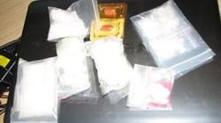 Bắt hai cặp vợ chồng buôn bán ma túy