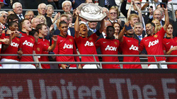 Wigan-M.U (0-2): Siêu Van Persie mang về Siêu Cup
