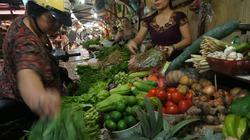 Lo ngại bão số 7, đổ xô mua thực phẩm tích trữ