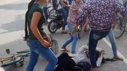 Nữ sinh bị đánh hội đồng rút kéo đâm bạn loạn xạ