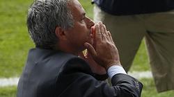 "Mourinho cạnh khóe Wenger, ""khóc mướn"" Pellegrini"
