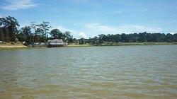 Kinh hoàng phát hiện xác chết phân hủy nổi trên hồ Xuân Hương