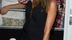 """Victoria Beckham được mời... đóng """"phim cấp 3"""""""