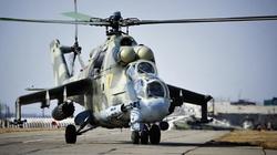 """Trực thăng chiến đấu Nga bày trận pháp """"song kiếm hợp bích"""""""