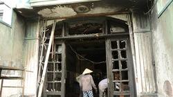 TP.HCM: Nhiều người kẹt bên trong nhà cháy vì xe máy chắn ngang cửa