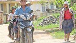 Khi người A Rem  đi xe gắn máy