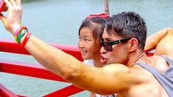 Giám khảo Next Top Model nhắng nhít quậy tưng ở Hồ Gươm