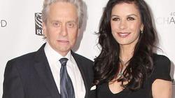 Cặp đôi nổi tiếng Hollywood bất ngờ chia tay
