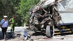 3 xe tải va chạm liên hoàn
