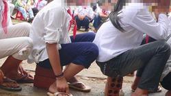 Hết cấm quần ống hẹp lại đến cắt dép của học sinh