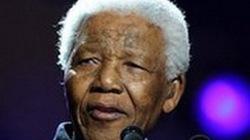 Ông Nelson Mandela vẫn nguy kịch nhưng đã được về nhà