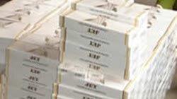 Thu 30.000 gói thuốc lá lậu giấu trong xe tải, xe máy, nhà bếp