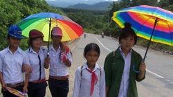 Kon Tum: Hết cảnh học sinh đu dây qua sông