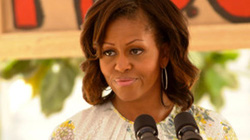 Bà Obama phản đối tấn công Syria