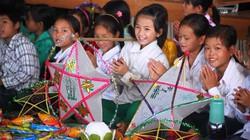 Trẻ em Phia Đén hồn nhiên vui tết Trung Thu sớm