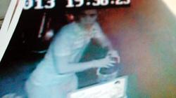 """Điều tra vụ ném """"bom bẩn"""" bị camera ghi lại"""
