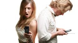 """Điện thoại khiến chuyện """"yêu"""" của bạn trục trặc"""