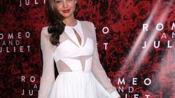 Orlando ôm xiết Miranda Kerr trên thảm đỏ