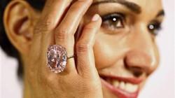 Bán đấu giá viên kim cương quý nhất thế giới