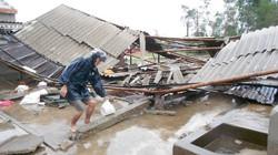 Quảng Trị: Hàng ngàn nhà dân tốc mái, đê kè xói lở