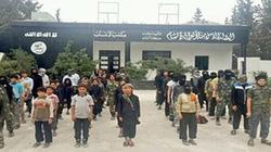 ISIS tuyển cả trẻ em 10 tuổi để đào tạo chiến binh