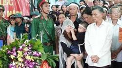 Hàng trăm người xúc động đón thượng úy hy sinh trong vụ trực thăng rơi