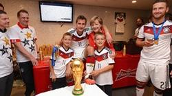 Đội tuyển Đức hưởng thành quả của cách mạng