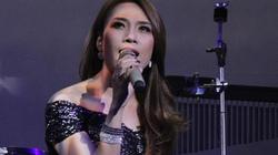 Mỹ Tâm rơi nước mắt tưởng nhớ 5 năm ngày mất NS Huỳnh Phúc Điền