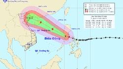 Bão giật cấp 15-16 sắp vào biển Đông, có thể đánh đắm tàu trọng tải lớn