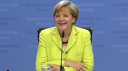 Phóng viên hát mừng sinh nhật Thủ tướng Đức Merkel trong buổi họp báo