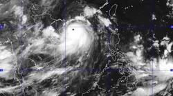 Siêu bão Thần Sấm tăng cấp, còn cách Quảng Ninh 420km